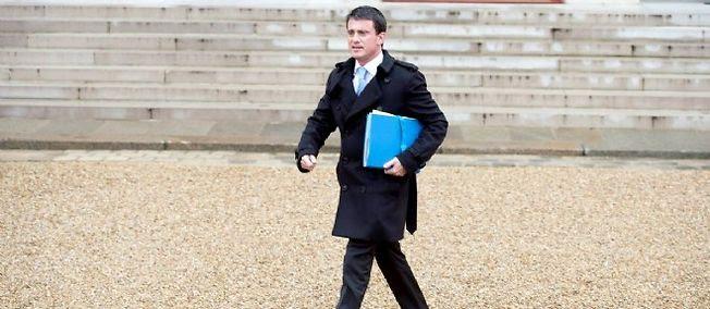 Le Premier ministre français Manuel Valls dans la cour de l'Élysée à Paris le 26 Novembre 2014.
