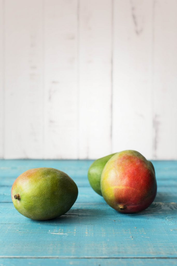 -fruits and veggies-HelloFresh-how to tell if a mango is ripe