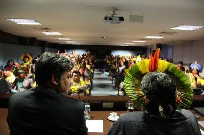 Foto: Ascom / PRR1 #PraCegoVer: encontro dos indígenas com o procurador no auditório