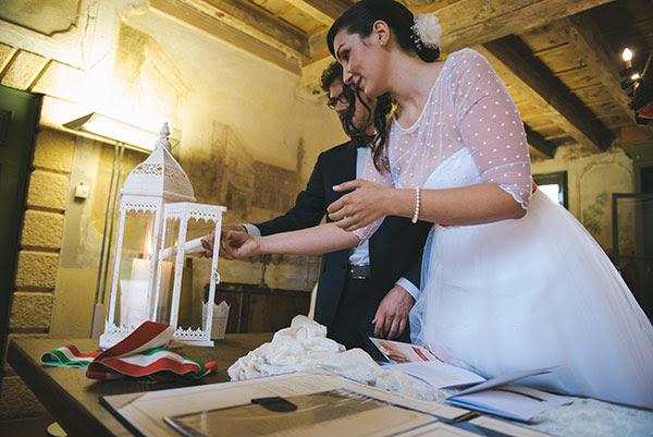 rito delle candele per cerimonia civile | Matrimonio anni 50 in Villa Balladoro