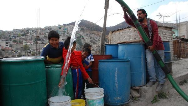 Limitarán el auso del agua a los pobres en México
