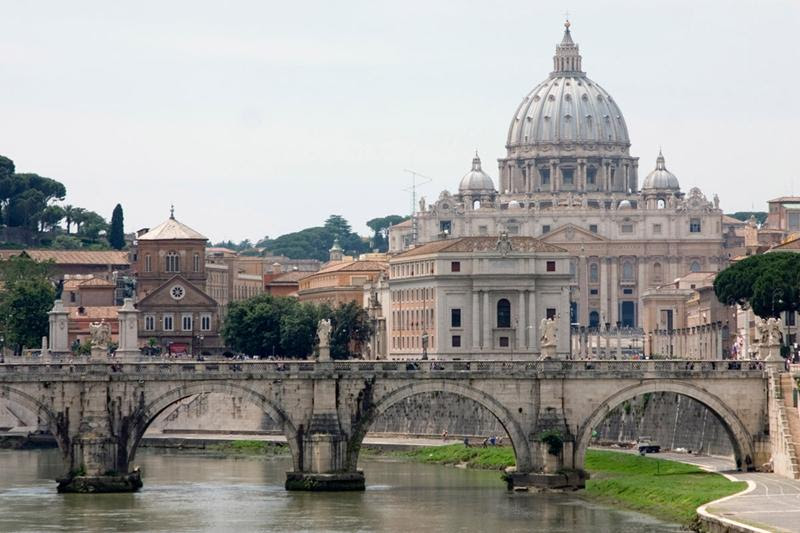http://famouswonders.com/wp-content/uploads/2009/03/st-peters-basilica.jpg