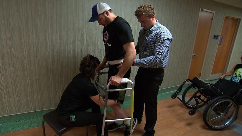 VIDEO: Parapléjicos logran caminar tras la implantación de electrodos en la columna vertebral