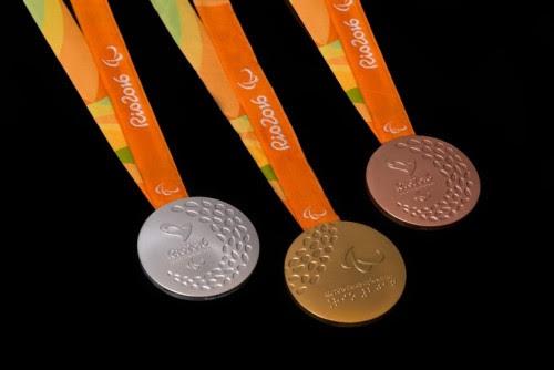 Láurea dos Jogos Paralímpicos emitem sons diferentes para ouro, prata e bronze pela primeira vez na história, facilitando identificação para os deficientes visuais