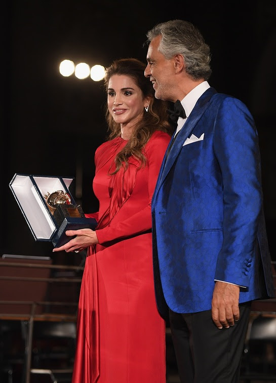 Andrea Bocelli honours Queen Rania of Jordan