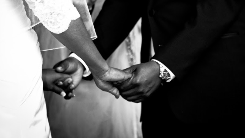 "Des prêtres africains revendiquent le droit au mariage (Photo d'illustration:Ryan King/Flickr/<a href=""https://creativecommons.org/licenses/by-nd/2.0/legalcode"" target=""_blank"">CC BY-ND 2.0</a>)"