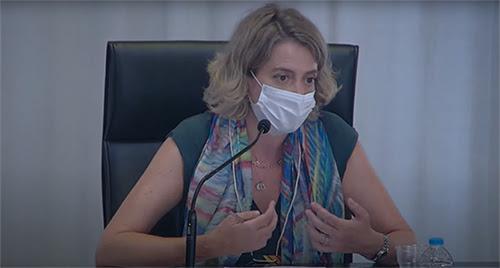 La presidenta de FADEMUR durante su intervención.