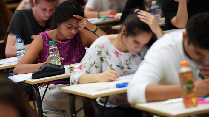 VIDEO. Dernières révisions, sommeil, méthode antistress... À la veille du bac, un spécialiste donne cinq conseils aux lycéens