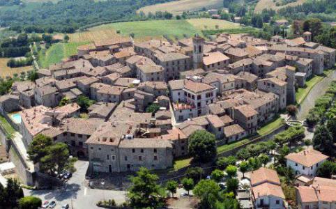 E-distribuzione interra la linea elettrica a Monte Castello di Vibio