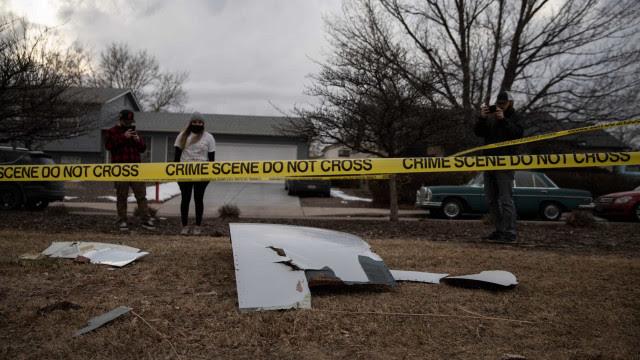 As imagens dos destroços de avião que caíram do céu em Denver