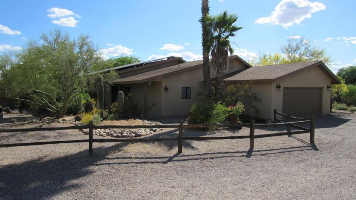 8021 N Padova Pl, Tucson, AZ 85741 wholesale priced home with indoor pool