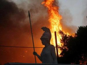 verano del terror en grecia primera victima de los incendios que arrasan el pais