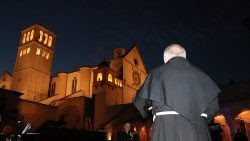 Momento de oración en Asís, el sábado 31 de mayo