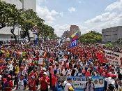 Miles de personas se desplazan por el centro capitalino en respaldo al Gobierno de Nicolás Maduro y en contra de la injerencia de EE.UU.