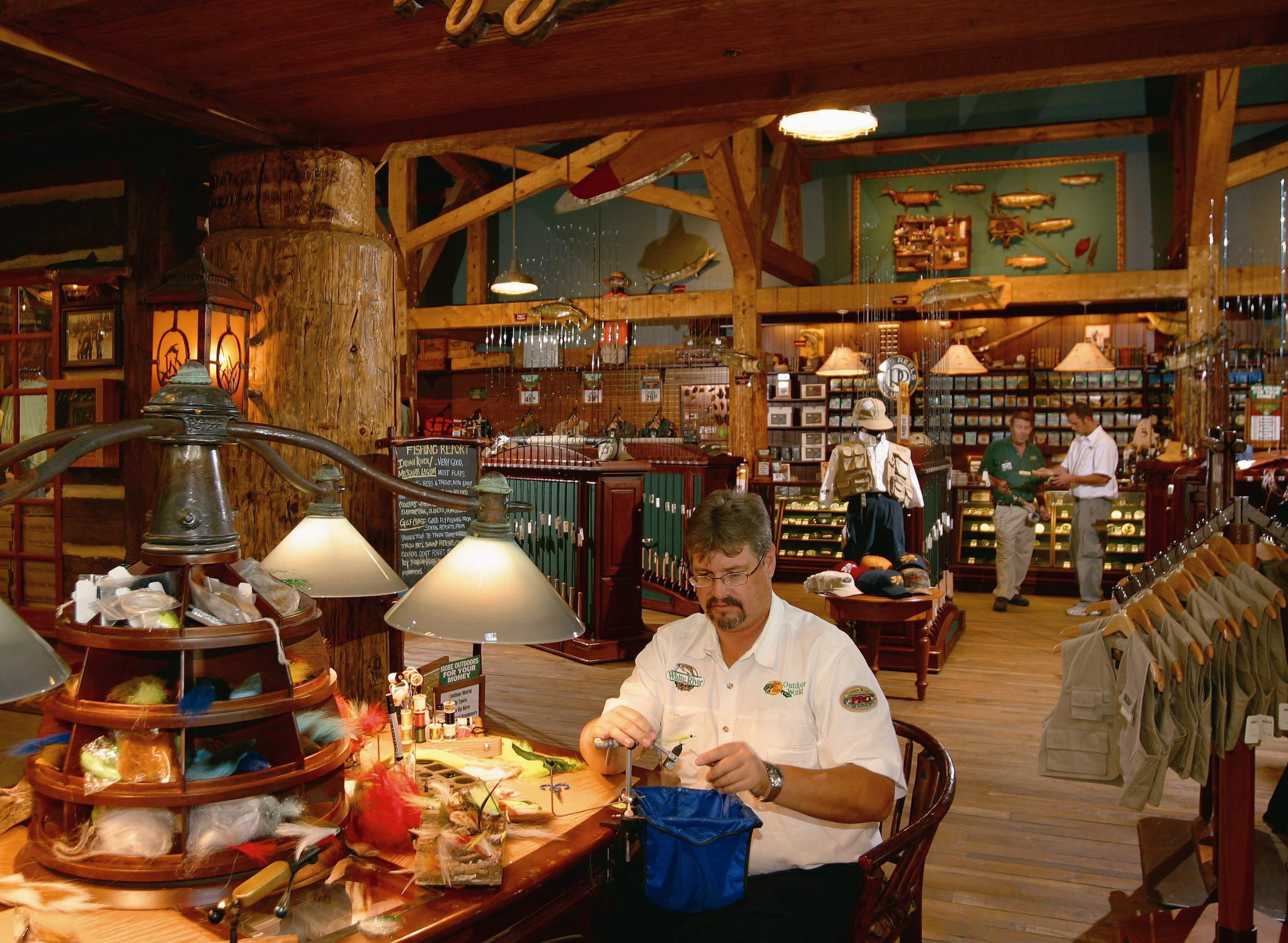 Bass pro shops outdoor world opens august 20 in bristol for Fishing equipment stores