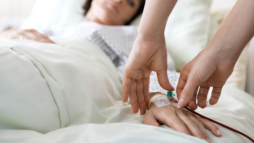 Se provoca un cáncer por morderse las uñas y le tienen que amputar un pulgar