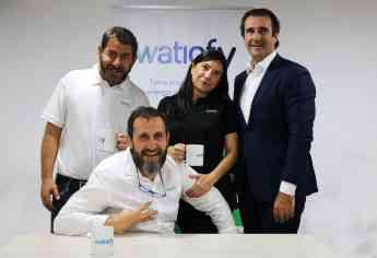 El equipo de Watiofy al completo, encabezado por su CEO, Arturo Cardenal.
