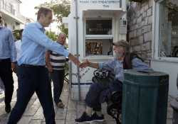 Ο Κυρ. Μητσοτάκης τώρα λέει «όχι» στις απολύσεις δημοσίων υπαλλήλων