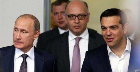 Vladimir Putin y Alexis Tsipras, en San Petersburgo. / EFE