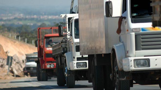 Coronavírus: as medidas para proteger caminhoneiros e o medo do impacto econômico da pandemia