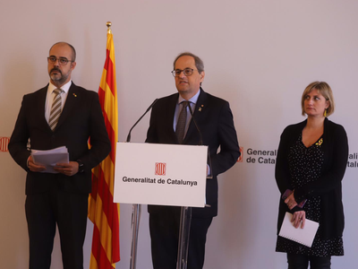 El president Torra ha comparegut acompanyat dels consellers d'Interior i de Salut (autor: Rubén Moreno)
