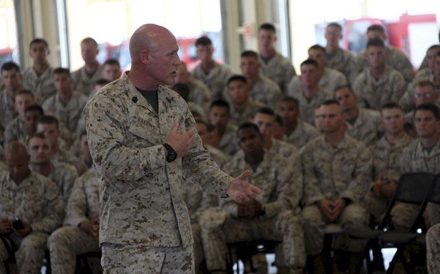 Miembros de la fuerza de respuesta rápida de Estados Unidos en Morón.