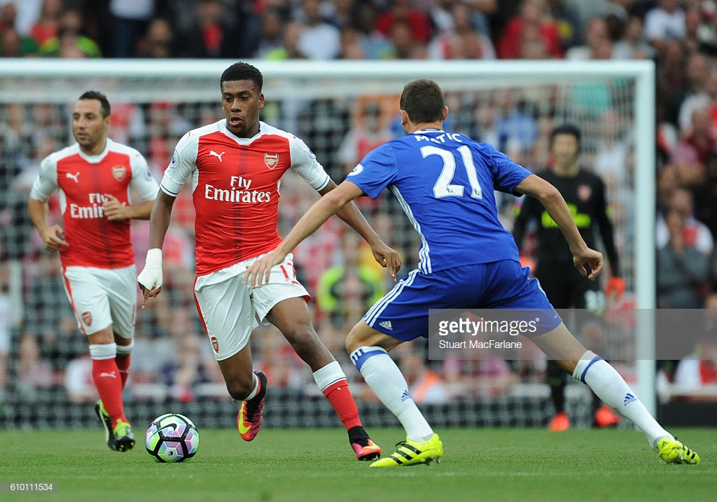 Alex Iwobi was amazing for Arsenal, playing with composure that exceeded his age in a 3-0 win over Chelsea in September 2016. (Getty Images)