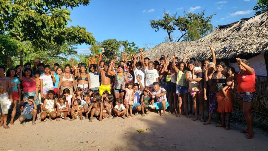 Foto final do encontro na TI Apinajé. Foto: Laudovina Pereira/Cimi Goiás-Tocantins
