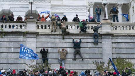 Los asaltantes del Capitolio sufren despidos y boicot a sus negocios tras ser identificados en la Red