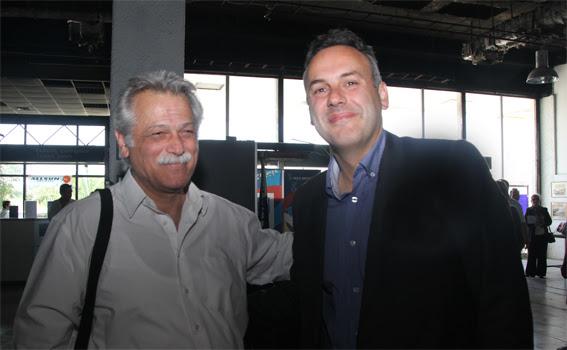 Ο Δήμαρχος Γλυφάδας με τον σύντροφό του Χρ. Κορτζίδη σε εκδήλωση για την ματαίωση της Επένδυσης του Ελληνικού