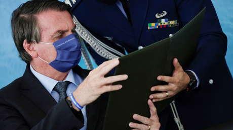 """Bolsonaro rechaza la aplicación de un confinamiento nacional en Brasil y asegura que """"la mayoría de la población contrae el virus en casa"""""""