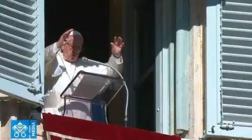 El Papa invoca la bendición de Dios sobre toda la humanidad