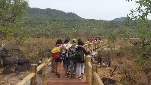 Pessoas com deficiência poderão chegar até as Corredeiras, um dos atrativos do parque através do caminho suspenso de madeira com 230 metros