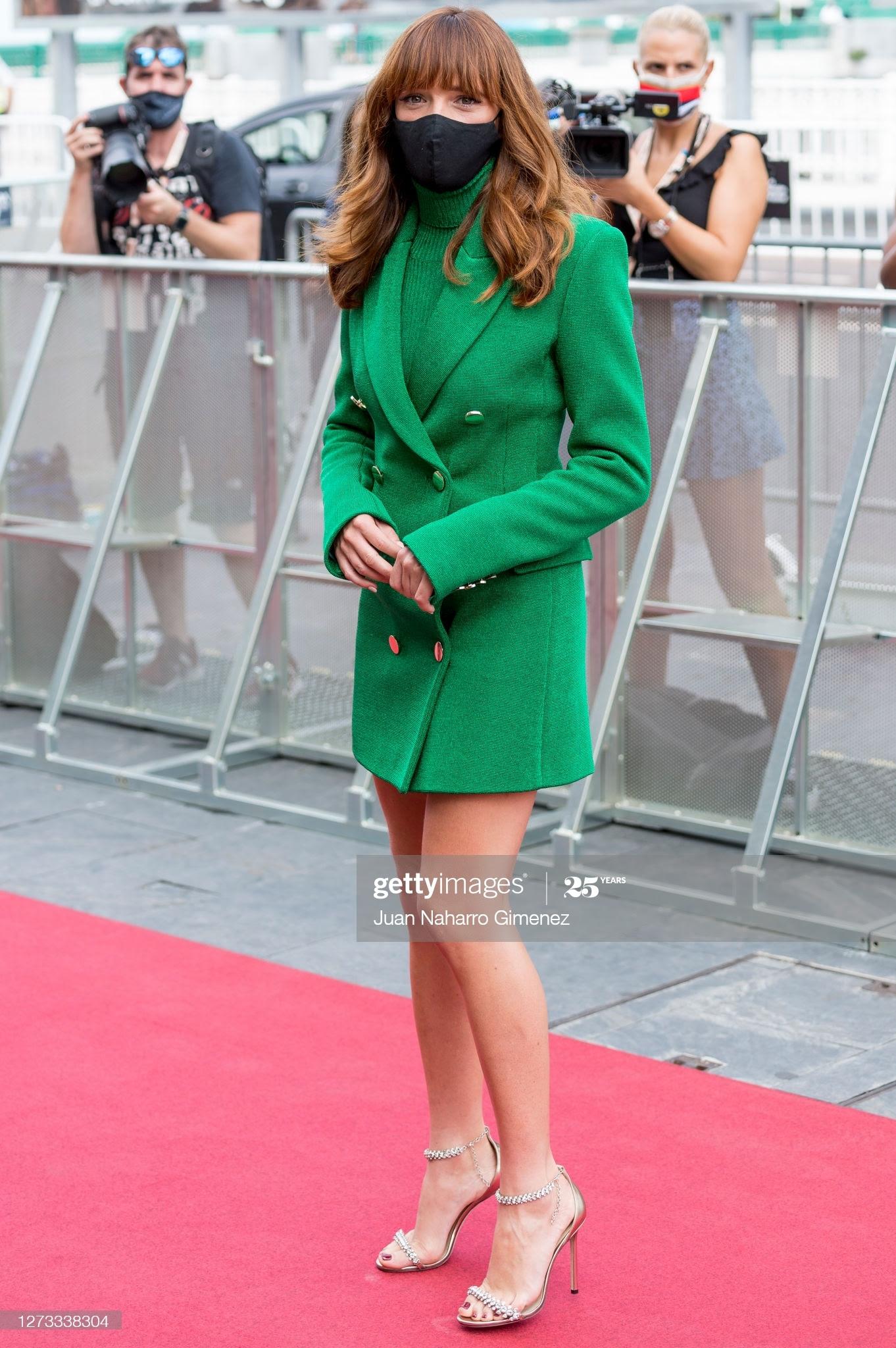 d5ec93c2 1e13 4206 844d 35029d684841 - Festival de San Sebastián: Todas las celebrities que han lucido Jimmy Choo y Elisabetta Franchi en la alfombra roja