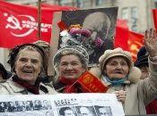 La Revolución de Octubre ocurrió el 7 de noviembre de 1917 y la creación de la URSS el 30 de diciembre de 1922.