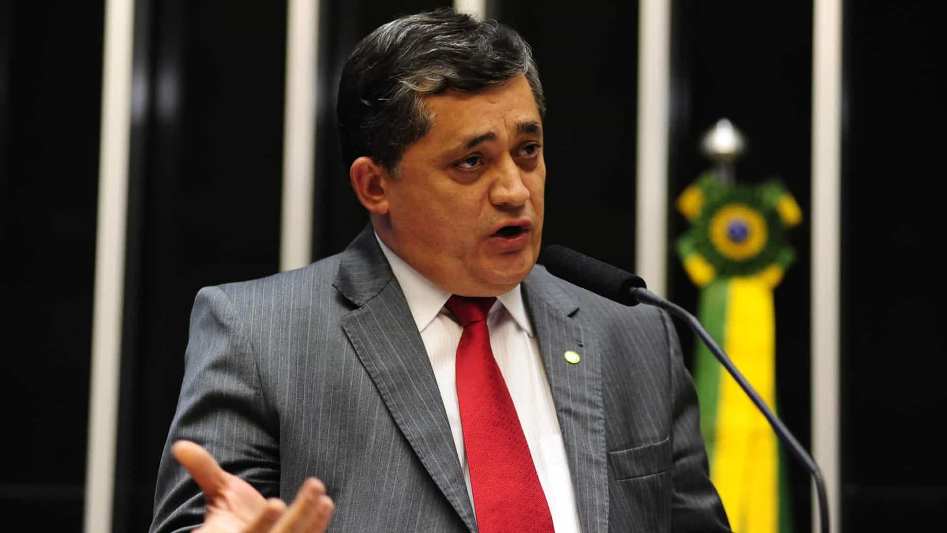 Deputado quer tornar inelegíveis condenados por racismo e crimes contra democracia
