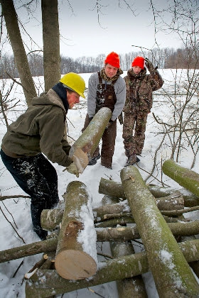 The Michigan DNR and Michigan United Conservation Clubs have partnered to create Michigan On-the-Ground volunteer opportunities where people can work
