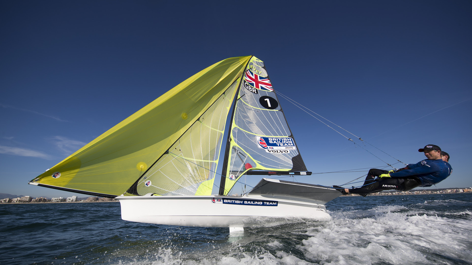 british-sailing-team-champing-the-bit-go-sailing
