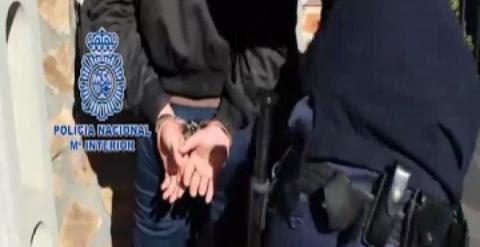 Operación policial contra grupos anarquistas.