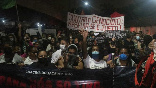 Mortos no Jacarezinho foram atingidos no rosto, abdômen e nas costas, apontam boletins médicos