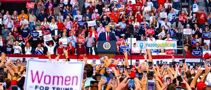 Trump aún tiene el apoyo de un gran sector y ha manejado el impeachment haciéndose pasar por víctima de una cacería de brujas por parte de sus opositores.