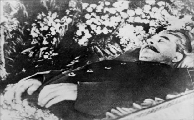 embalmed-stalin_b