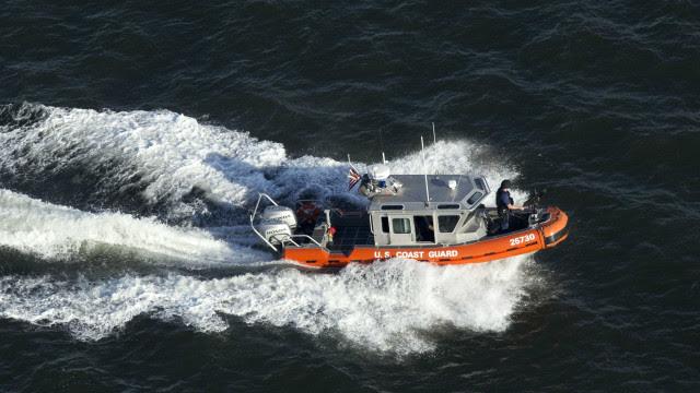 Acidente de barco deixa dois mortos e 10 desaparecidos na Flórida