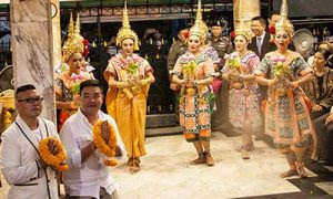 TAT invites HK superstars to pay respect at the Erawan Shrine 03-500X300