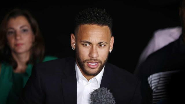 Neymar é cortado da seleção brasileira após exame