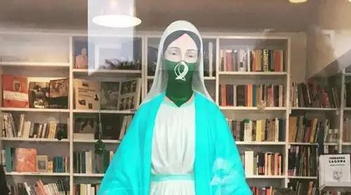 "Presentan 17 mil firmas para que retiren ""Virgen abortera"""