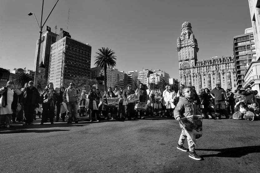 Concentración de maestros, ayer, frente a la Torre Ejecutiva. Foto:Federico Gutiérrez