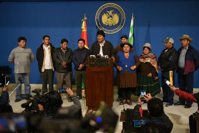 Na manhã deste domingo (10), Evo Morales convocou novas eleições, mas o anúncio não foi suficiente para conter o golpe de Estado / Divulgação/Governo da Bolívia