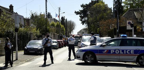 FRANCIA: FUNZIONARIA DI POLIZIA UCCISA A COLTELLATE DA UN TUNISINO ALL'INTERNO DI UN COMMISSARIATO