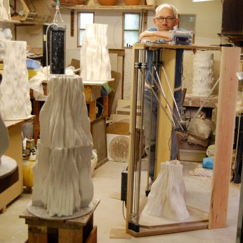 PICTURE OF CERAMICS ARTIST JONATHAN KEEP